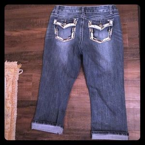 2353038808a07 New Direction Weekend Capris